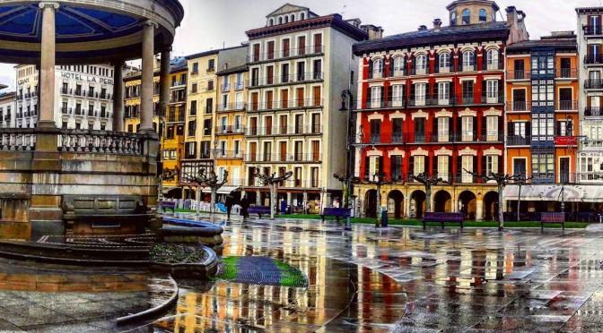 plaza-del-castillo-foto-tamara-672x372